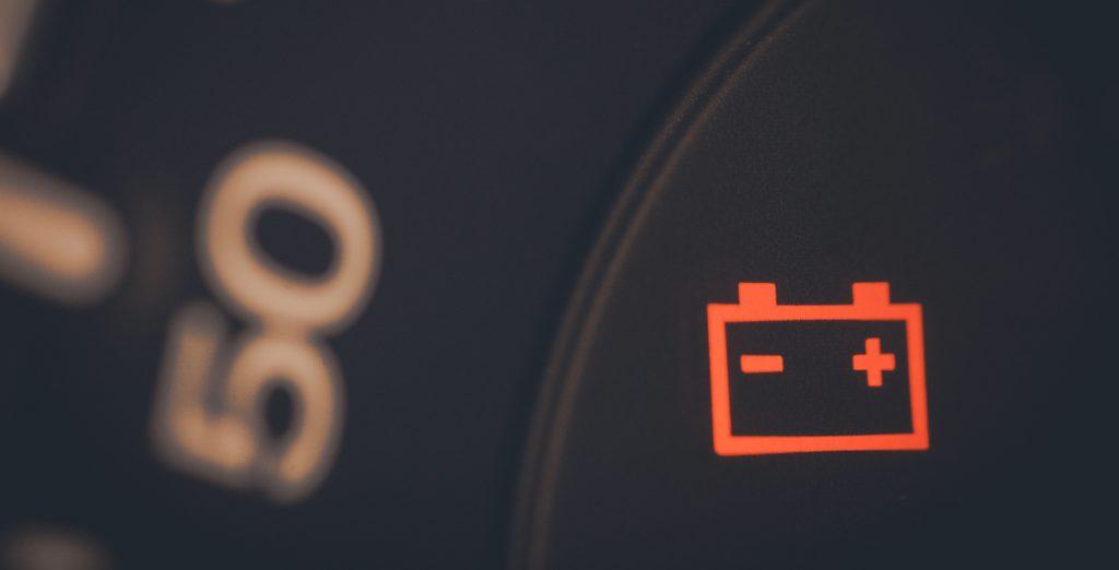 alerta problema batería coche