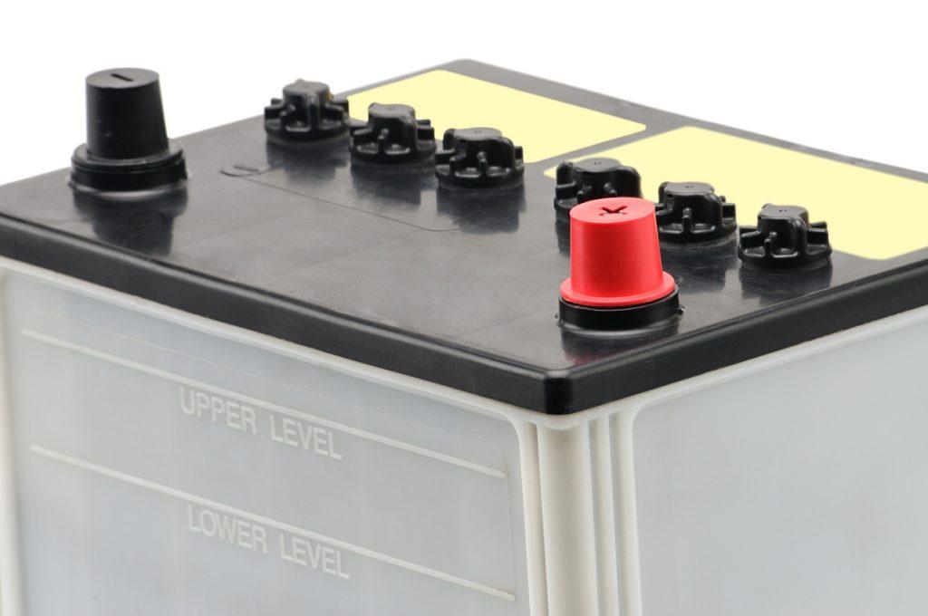 baterías con mantenimiento